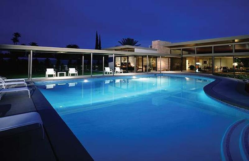 El actor, su pareja y su hija pasaron unos días en la residencia de vacaciones que Sinatra tenía en Palm Springs.