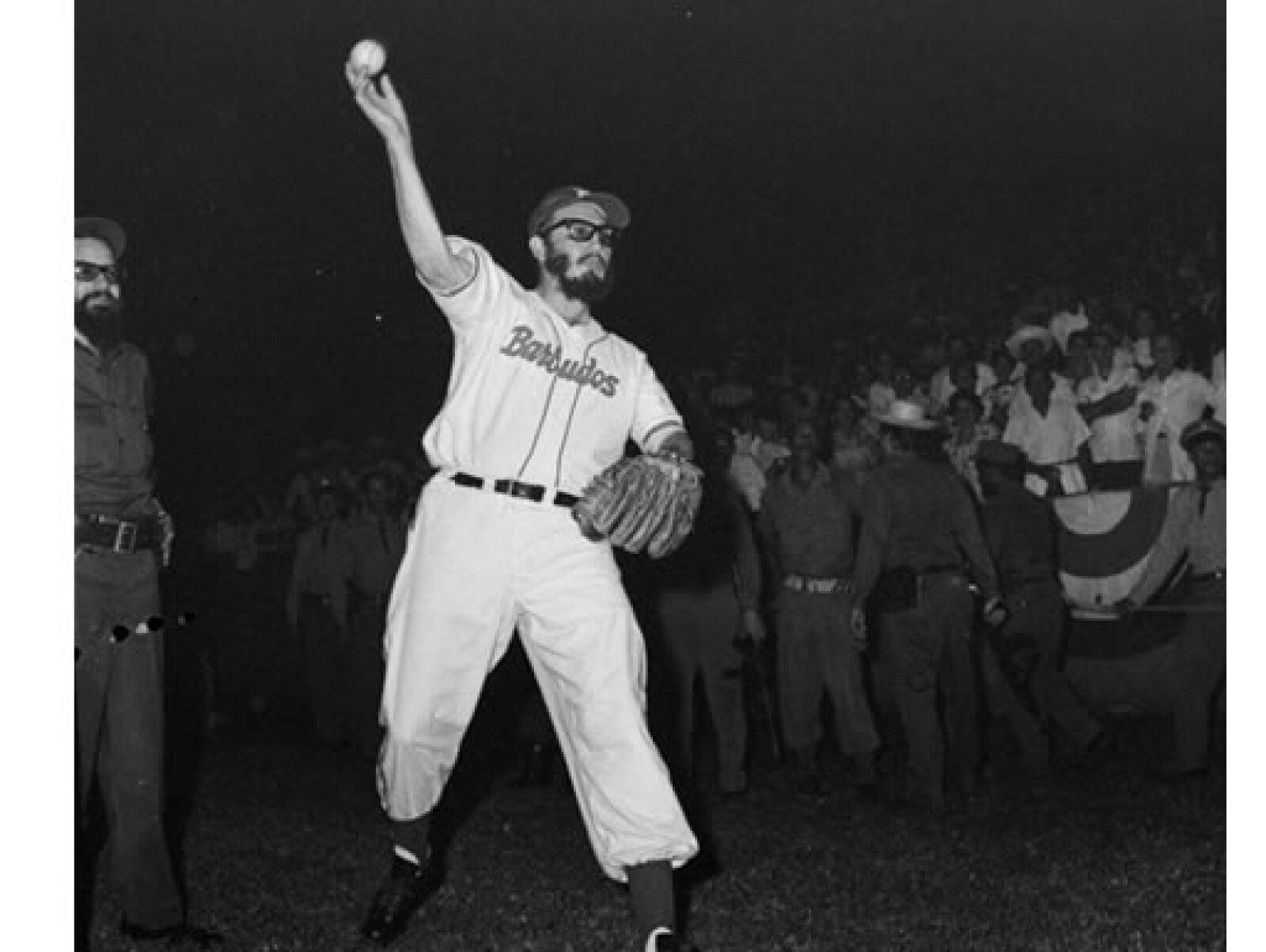El 24 de julio de 1959 Fidel fue lanzador abridor de los Barbudos ante un equipo de la Policía Militar. Luego de dos entradas y dos ponches, Castro fue relevado.