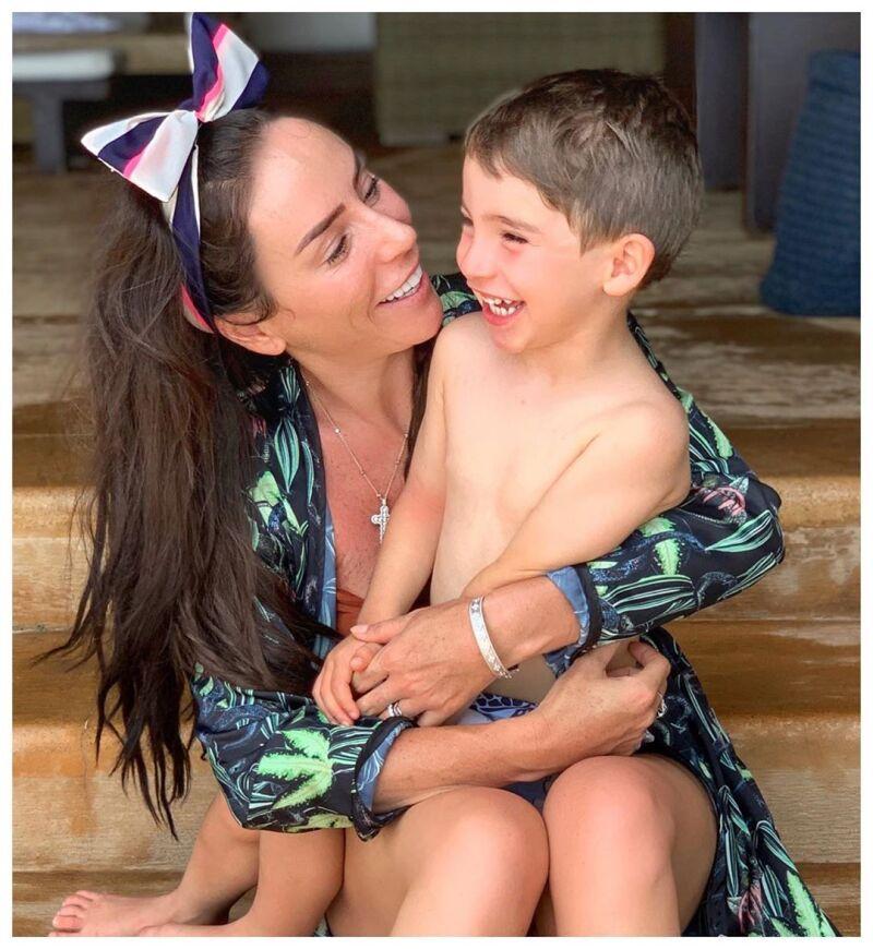 Inés Gomez Mont y su hijo Bosco