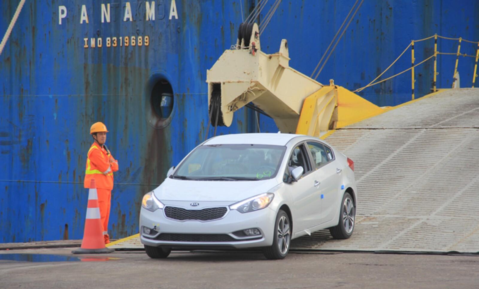 El desembarque de estos vehículos es uno de los últimos detalles antes de arrancar su comercialización el próximo 1 de julio.