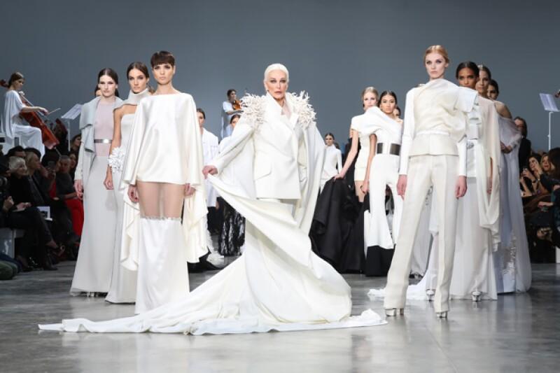 Sstéphane Rolland le otorgó el rol más deseado entre las modelos: la novia de la colección de Alta Costura.
