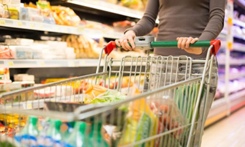 En su comparación anual, el consumo privado subió 3.6% en junio. (Foto: shutterstock)