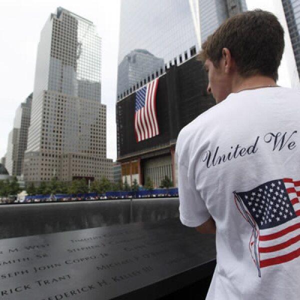 La ceremonia de NY fue el acto central de las actividades realizadas en todo el país. Fue la ocasión para reflexionar sobre una década que cambió el estilo de vida de los estadounidenses.