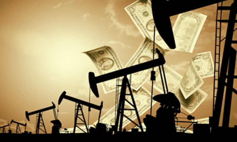 Las refinerías han cosechado ganancias inesperadas comprando petróleo a los bajos precios estadounidenses. (Foto: Getty Images)