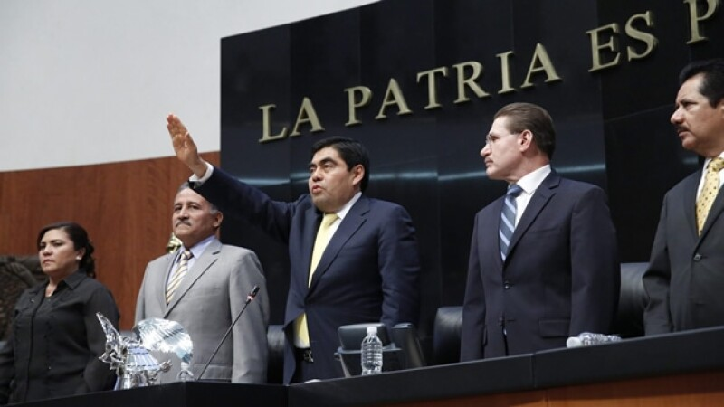 Miguel Barbosa toma protesta como presidente de la Mesa Directiva del Senado de la República