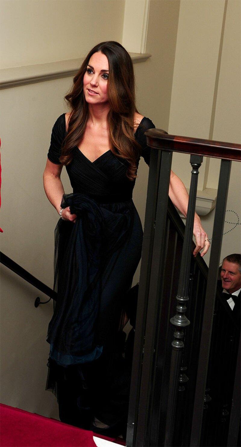 Así lució el vestido la Duquesa de Cambridge en octubre del 2013