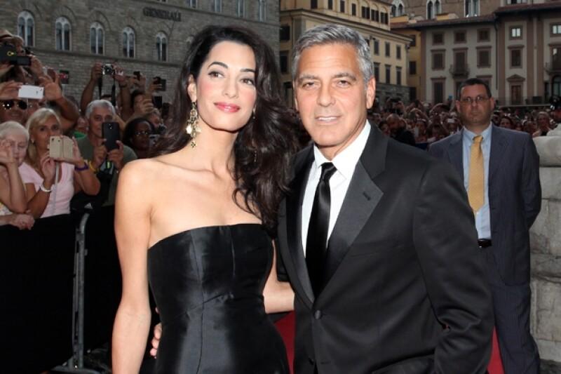 Un testigo de la gala benéfica a la que el actor asistió acompañado de su prometida, grabó el momento en que Clooney le declaraba su amor y anunciaba que tendría una boda a la italiana.