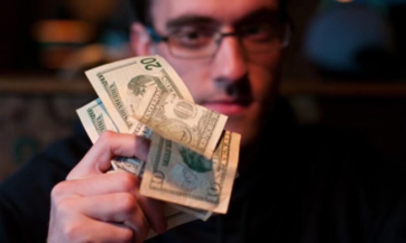 El Gobierno argentino trabajará de forma conjunta con el Poder Judicial para combatir la venta ilegal de dólares. (Foto: Getty Images)