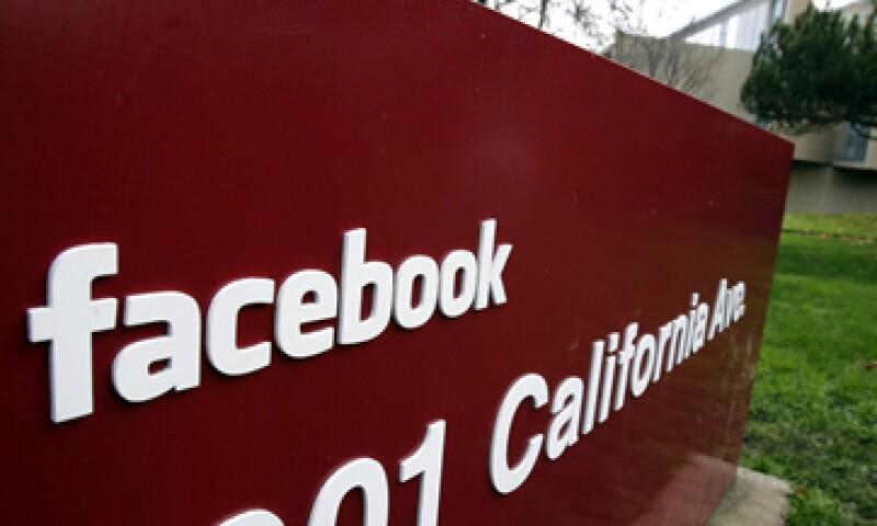 Algunos de los jóvenes empresarios se moldean a imagen del fundador de Facebook, Mark Zuckerberg. (Foto: AP)