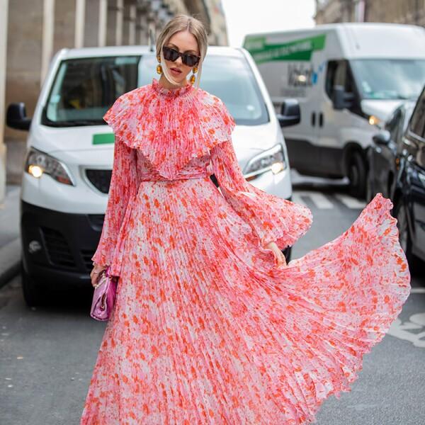 Street Style : Paris Fashion Week - Womenswear Spring Summer 2020 : Day Eight