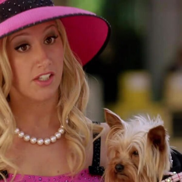 En High School Musical, Sharpay Evans (Ashley Tisdale) era una mala estilo Disney, esto quiere decir pocas groserías, simplemente estaba celosa pues Gabriella (Vanessa Hudgens) le quitó el papel principal.