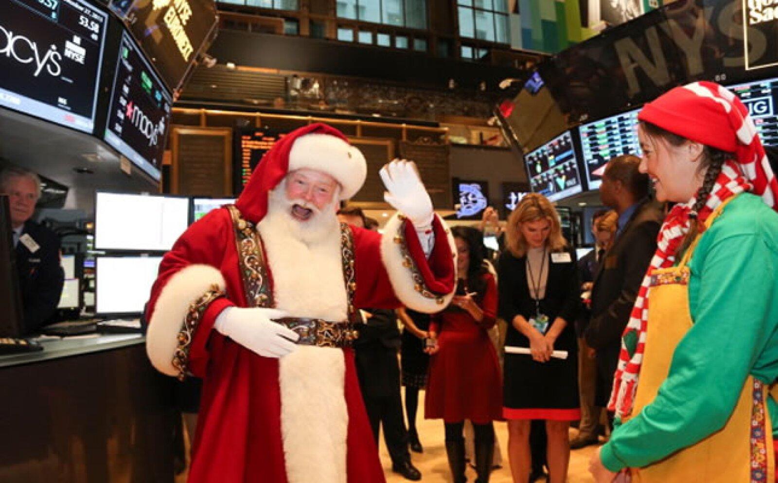 Anteriormente, en el día de Acción de Gracias, habían recibido la visita de Papá Noel.