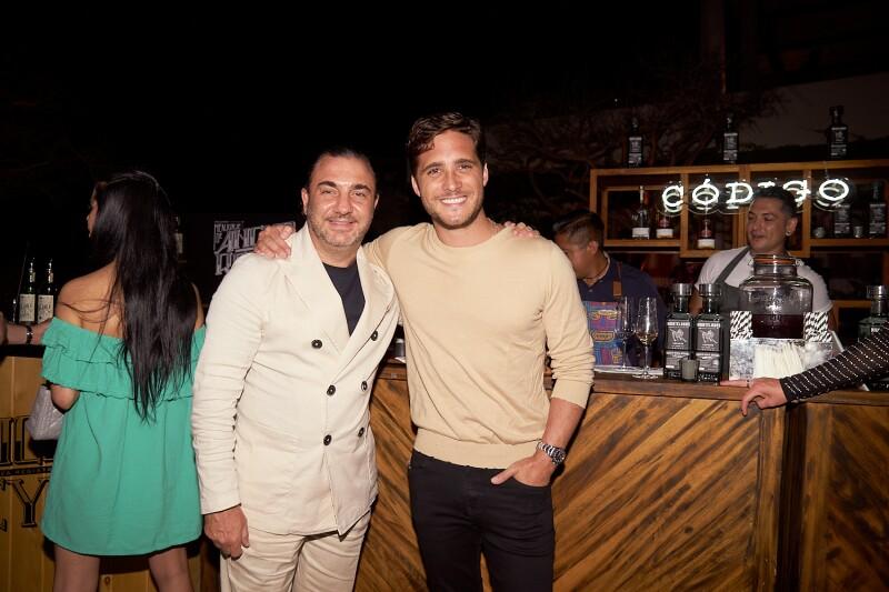 Jack Helfon y Diego Boneta.jpg