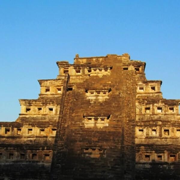piramide del los nichos en el tajin en veracruz