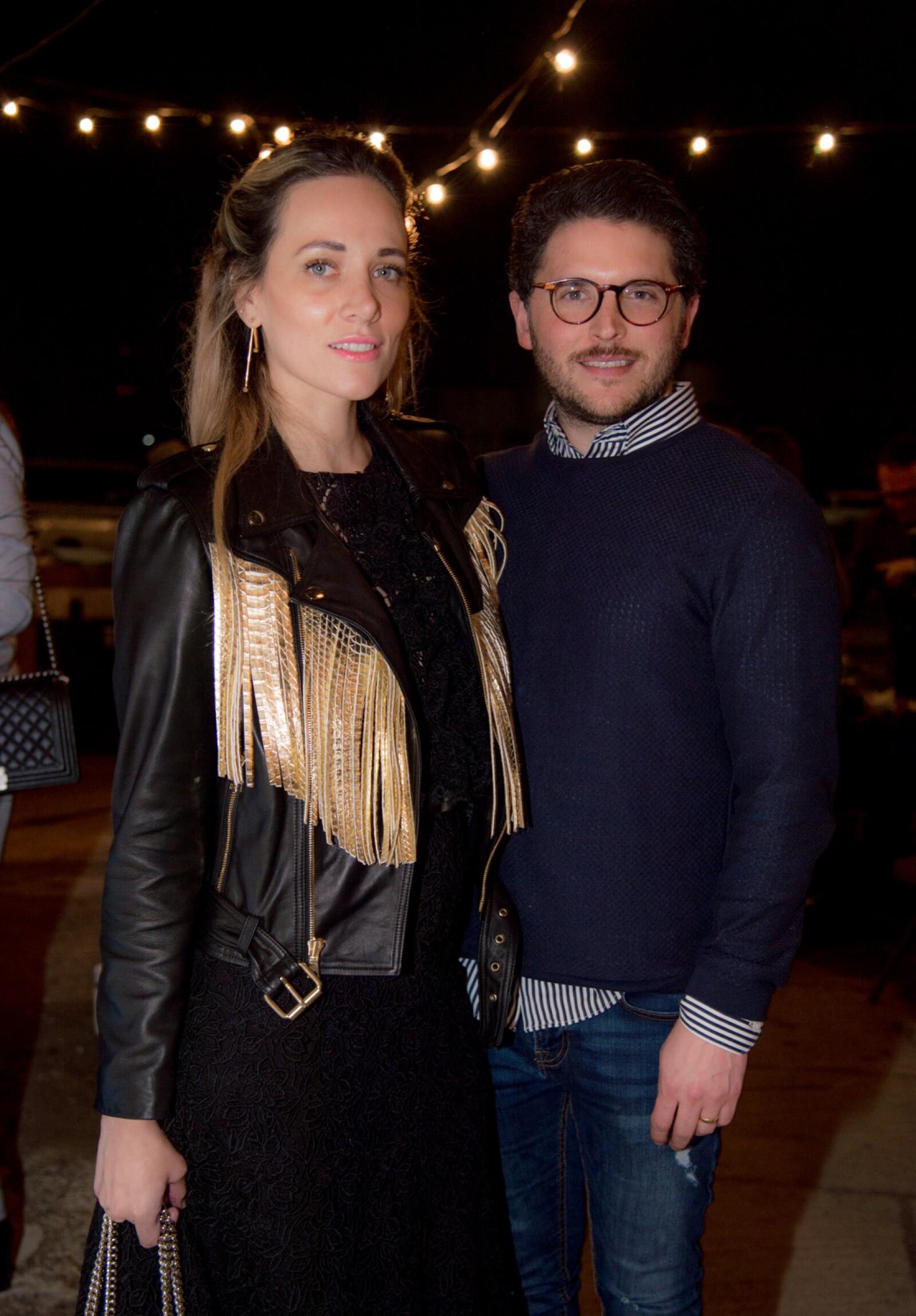 Lorena de Almanza y Jorge Almanza.jpg