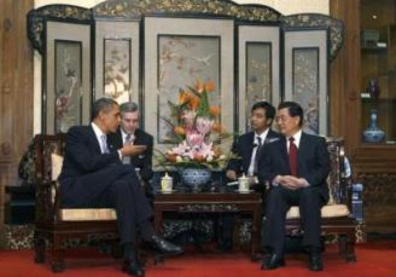 El presidente de EU, Barack Obama se entrevistó con su homólogo de China, Hu jintao  (Foto: Reuters)