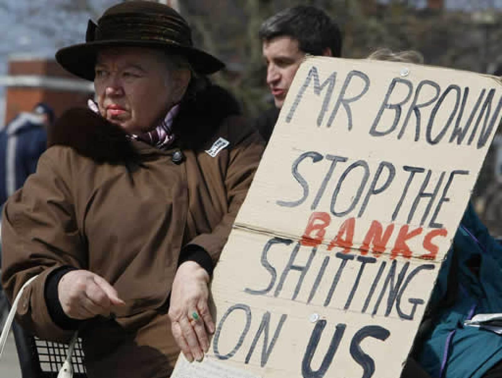 Las calles de Londres han sido afectadas por las manifestaciones en contra de la cumbre mundial y por los rescates que ha realizado el gobierno británico a los bancos en los últimos meses.