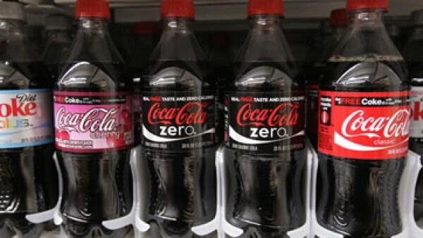 Arca Continental dijo que invitó a The Coca-Cola Company y a otros embotelladores a participar como socios en el negocio. (Foto: AP)