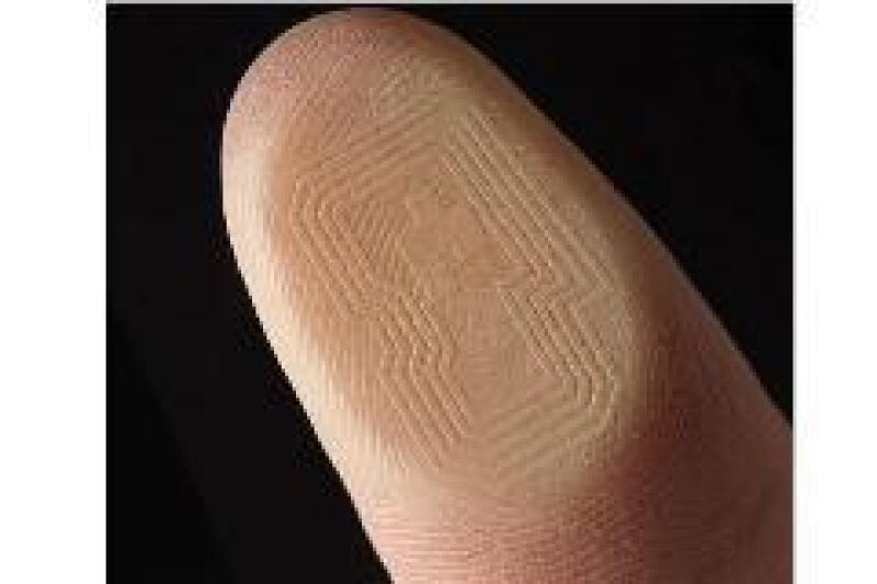 Existen tecnolog�as basadas en sensores que permiten identificar y rastrear los productos.