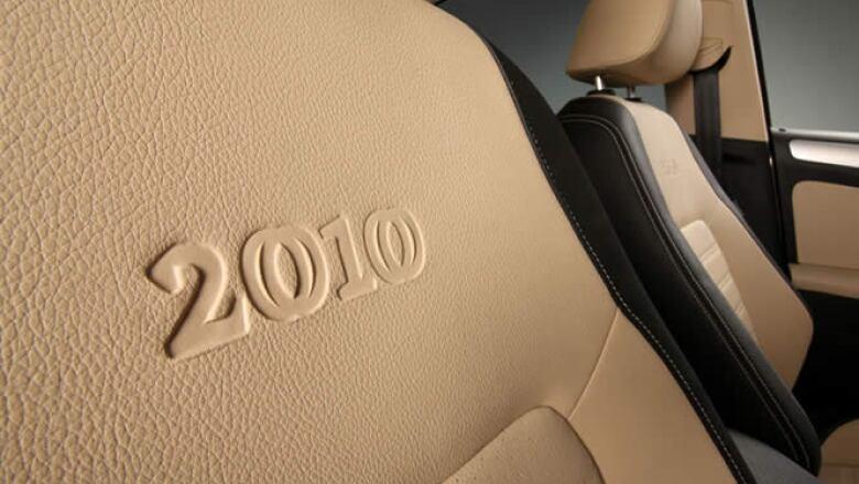 En distintas partes del vehículo se podrá apreciar el logo oficial del Bicentenario de México.