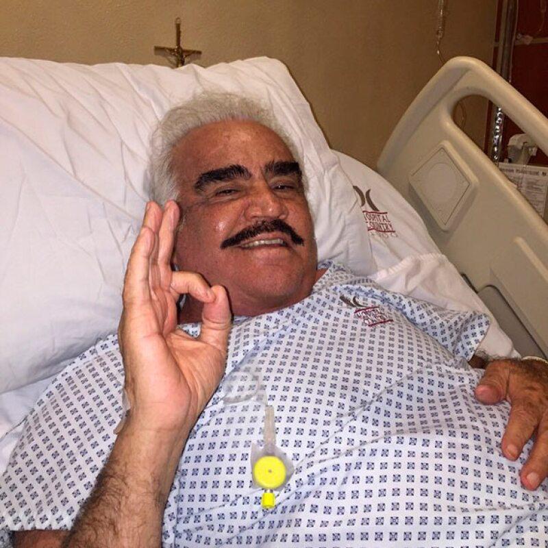 El hijo mayor del cantante, explicó que su padre fue sometido a una cirugía abdominal de urgencia el pasado 22 de marzo, debido a una hernia ventral.