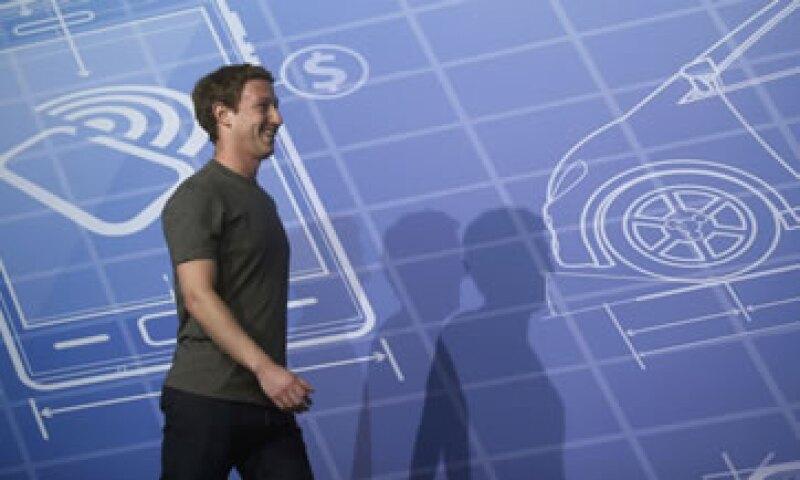 El servicio de correo de Facebook definirá la próxima generación de mensajería por Internet, dijo en 2010 Zuckerberg. (Foto: Reuters)