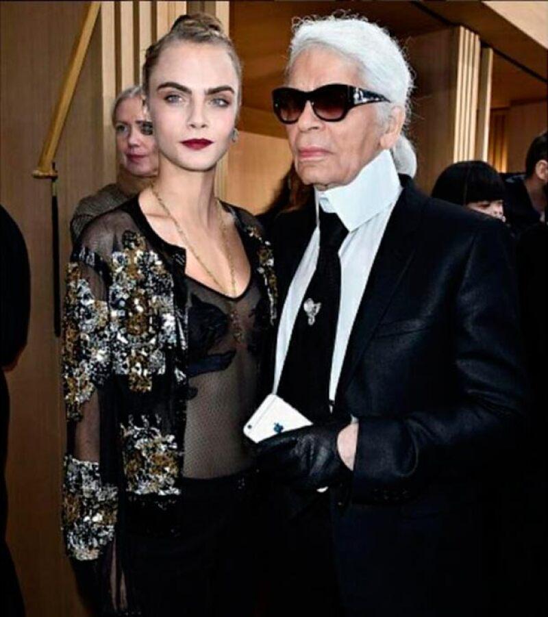 Cara es una de las musas de Karl Lagerfeld.