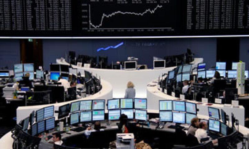 Los datos de la producción industrial en agosto impulsaron temprano a las Bolsas europeas. (Foto: Reuters)