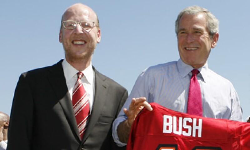 Malcolm Glazer (izq.) también era dueño del equipo Tampa Bay Buccaneers. (Foto: Reuters)