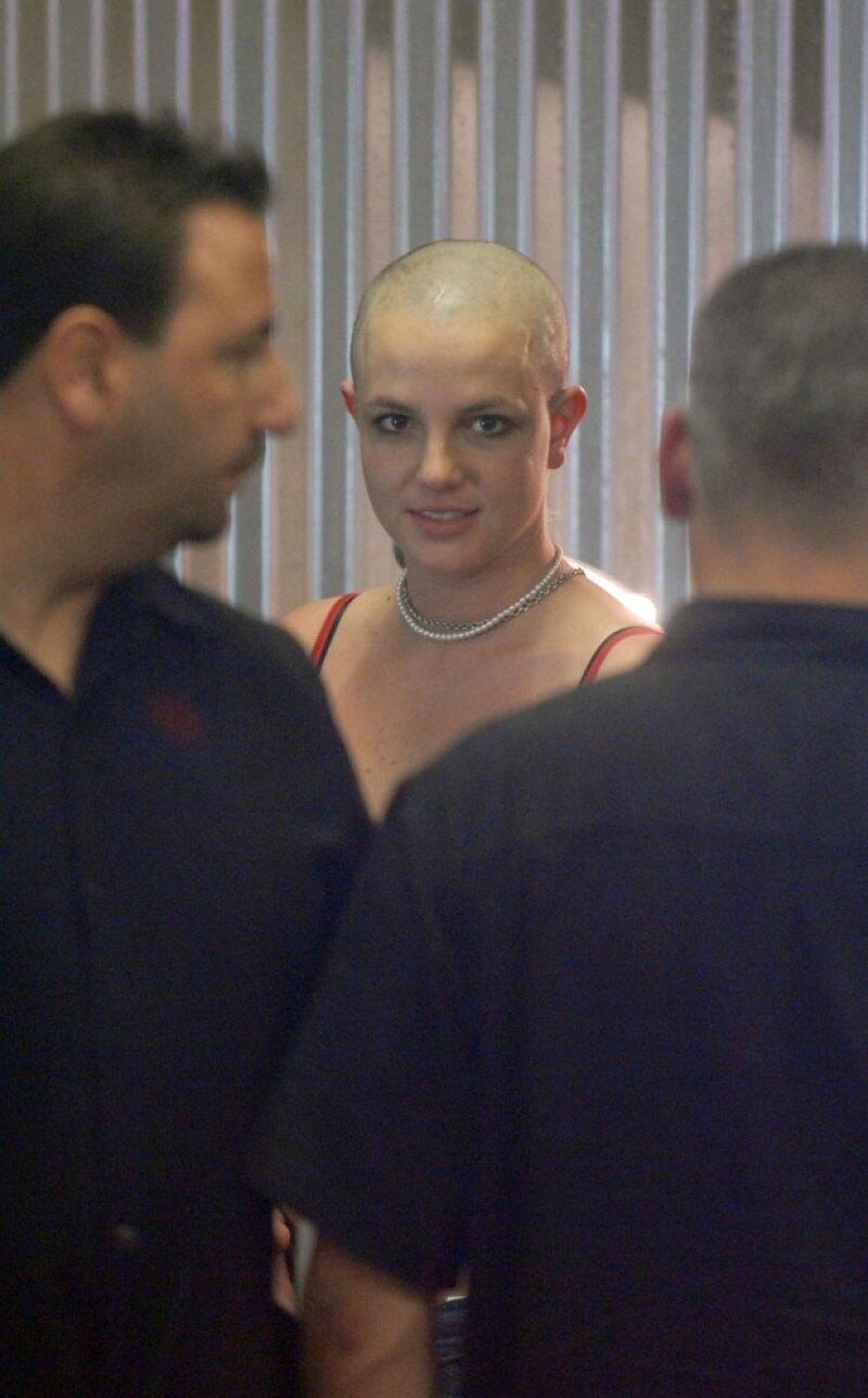 Este fue el resultado después de que ella misma se rapara.