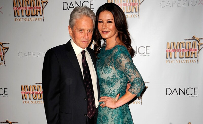De las parejas del showbiz que más diferencia de edad tienen, está Catherine y Michael, con 25 años.