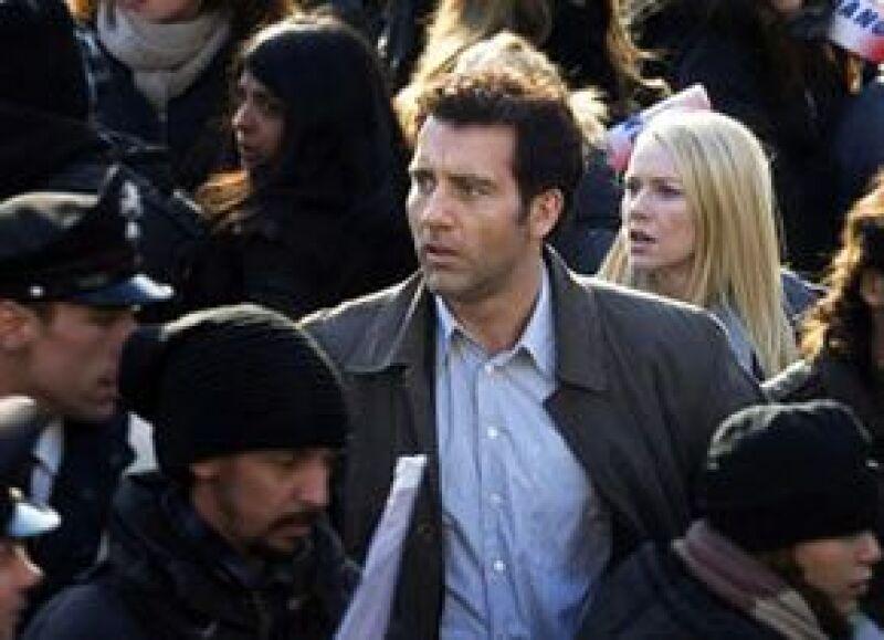 Owen es un ex agente de Scotland Yard que busca detener una serie de asesinatos ordenados por la mafia de cuello blanco.
