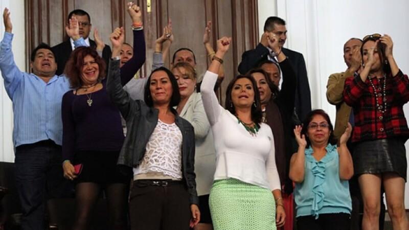 El DF aprueba el cambio legal de género con un solo trámite