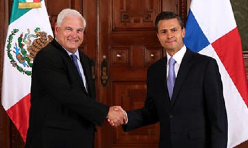 El presidente de Panamá Ricardo Martinelli –izq- realiza una visita a México. (Foto: Cortesía Presidencia)
