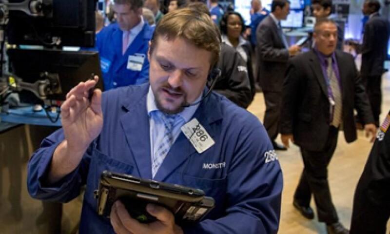 El Dow Jones bajaba 0.21% en la Bolsa de Nueva York. (Foto: Reuters)