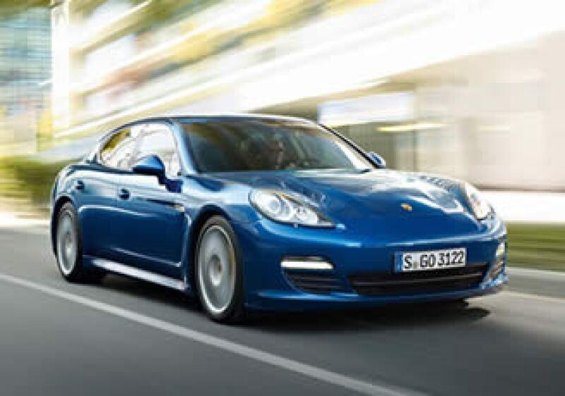 El Porsche Panamera Hybrid llegará al mercado en 2013. (Foto: Cortesía Porsche)