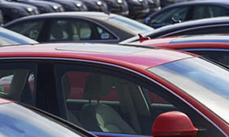 La industria prevé rebasar el millón de autos comercializados en México para finales de 2012. (Foto: Photos to Go)