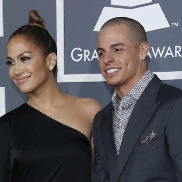 Al parecer los ex tienen competencia por ver quién tiene al novio menor, J.Lo tiene 43 años y Casper Smart, su `osito´ 25. Eso sí, ya llevan poco más de un año de noviazgo.