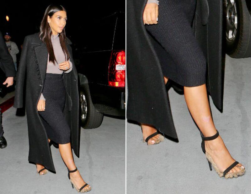 Las particulares zapatillas de Kim pertenecen a la colección otoño-invierno de Celine.