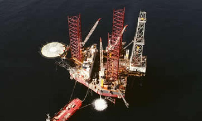 El petróleo operó entre los 91.14 y los 93.49 dólares por barril. (Foto: Photos to go)