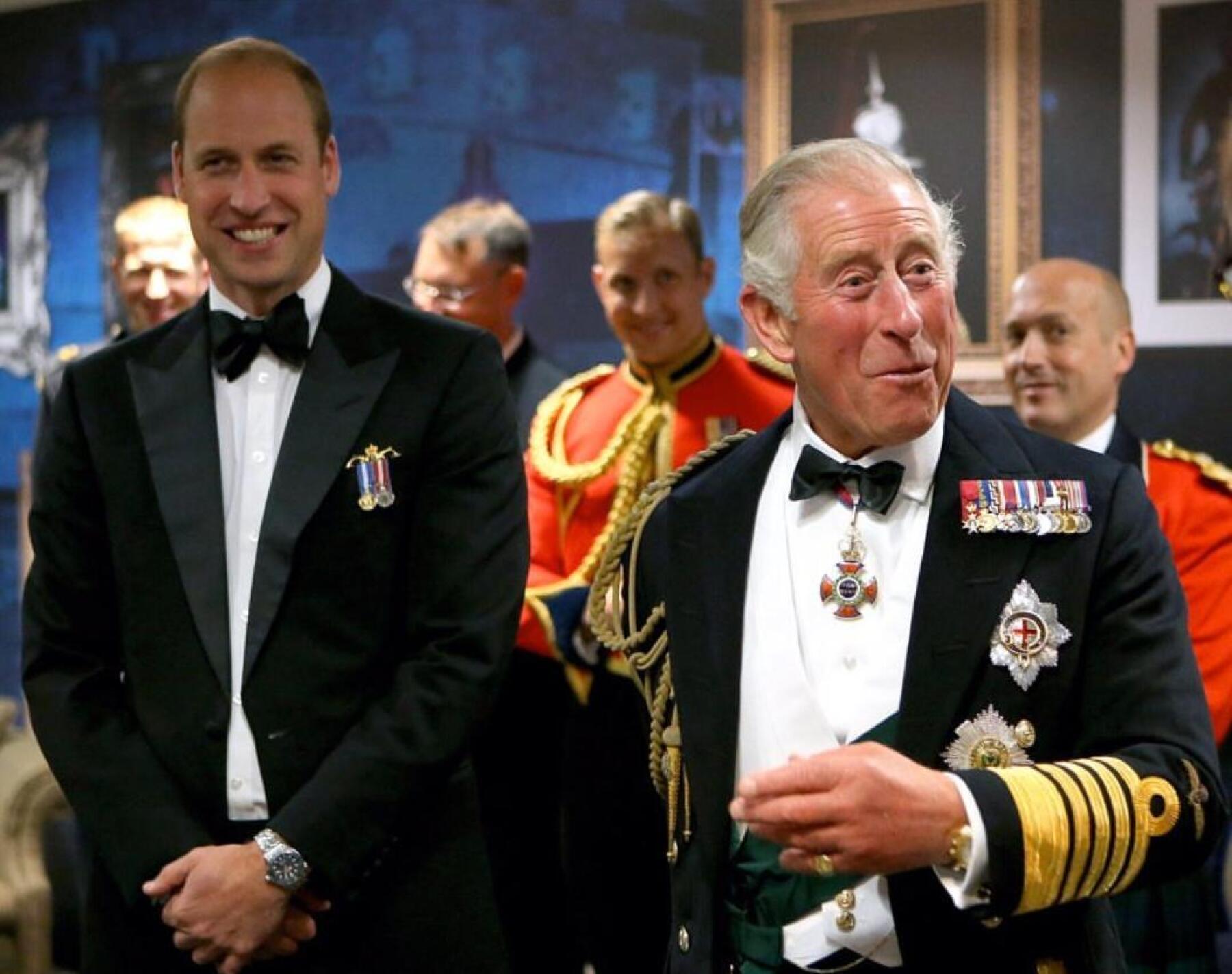 príncipe William y príncipe Carlos