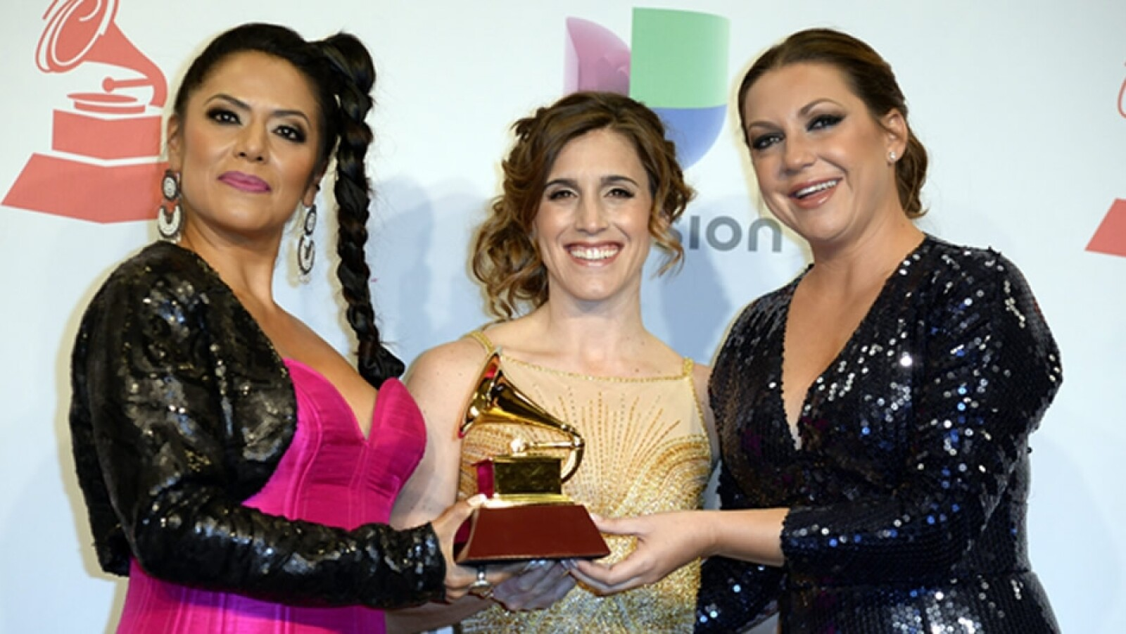 lila downs grammy latino 2014