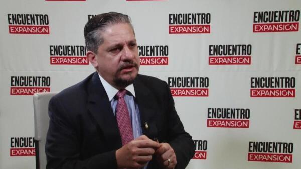 Debemos crear un sistema educativo que funcione: Luis Humberto Fernández