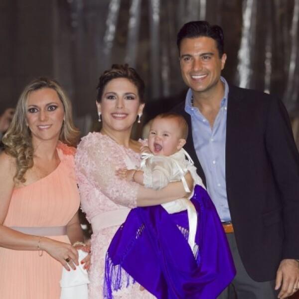 Regina Azcárraga, Angélica Vale, Jaime Camil y Angelica Masiel.