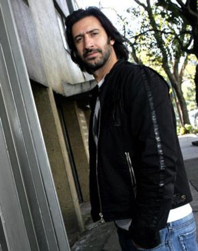 Fue derrotado por el español Jordi Dauder en la mejor interpretación masculina de reparto.
