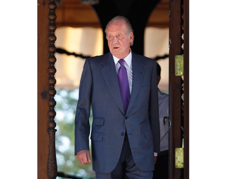 Una fuente de la Casa Real de España, asegura que el Rey Juan Carlos le ordenó a Urdangarín se dedicara a trabajar en una empresa por cuenta ajena.