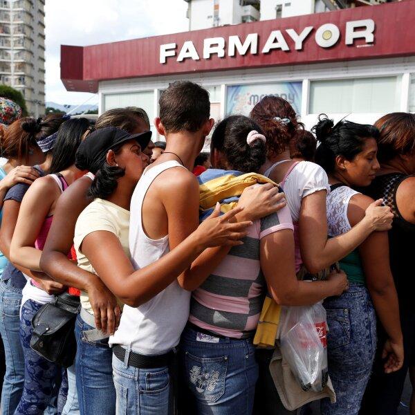 La extensión del estado de excepción decretado por el presidente Nicolás Maduro el viernes pasado ha agudizado la escasez de bienes.