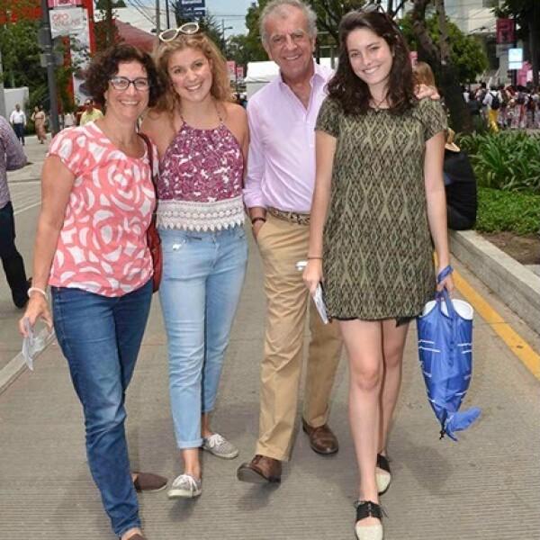 Renee y Sabina Olper con Rodrigo y Camila Rivero Lake