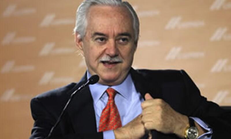 Lorenzo Zambrano, presidente del Consejo de Administración de Cemex, dijo estar enojado por la multa que le impuso la CFC a la empresa. (Foto: Archivo)
