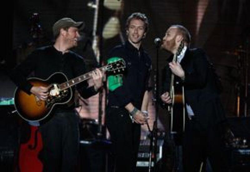 Desde el pasado 1 de marzo y hasta el día 20 del mismo mes, quien descargue la mayor cantidad de contenido de la banda será el ganador del disco con la rúbrica de Chris Martin y compañía.